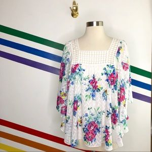 NEW Meadow rue floral flowy top